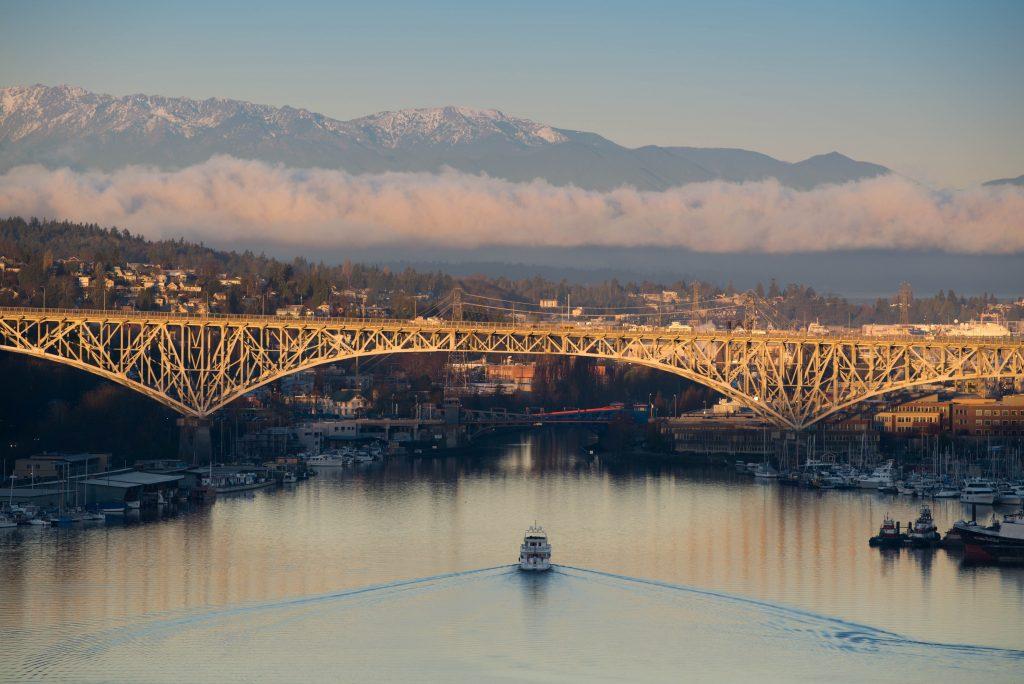 architecture-aurora-bridge-boats-23383